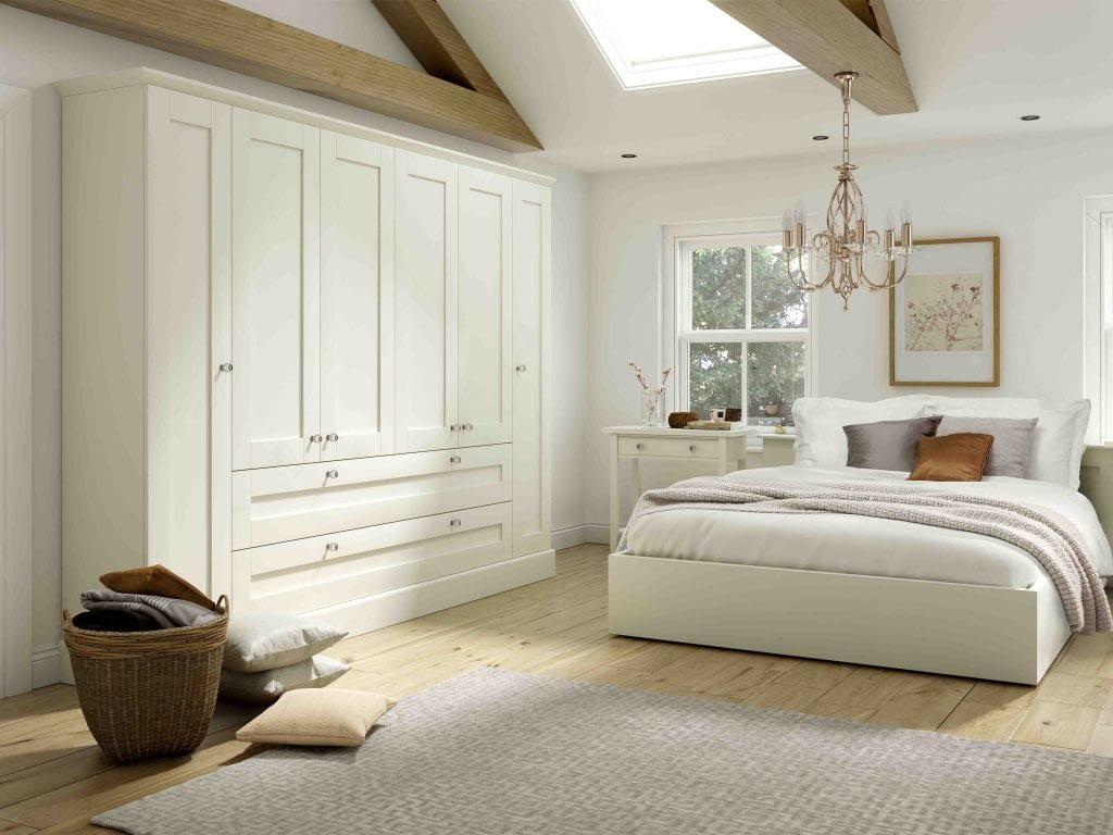 Tenby fitted bedroom door